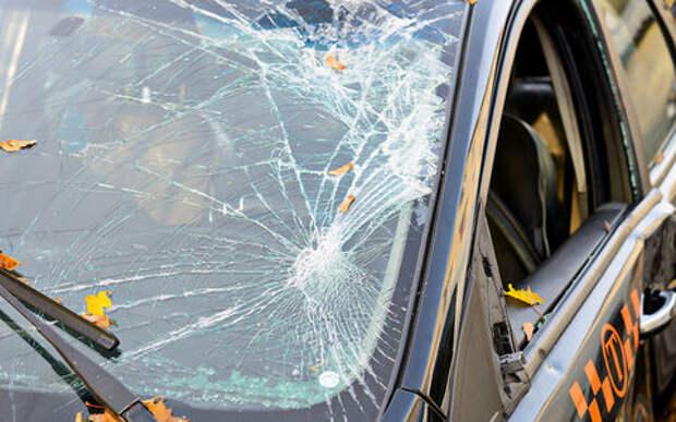Таксист удирал от разъяренных клиентов и попал в ДТП