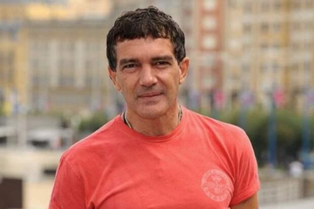 Антонио Бандерас вылечился откоронавирусной инфекции