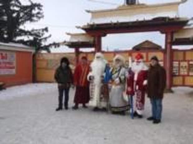 Греческий Дед Мороз навестил «коллег» в Бурятии