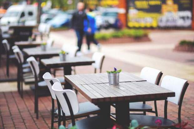 Первые астраханские кафе вновь открыли свои двери для посетителей