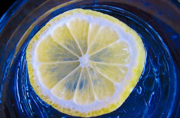 Пьем воду с лимоном каждое утро и смотрим результат