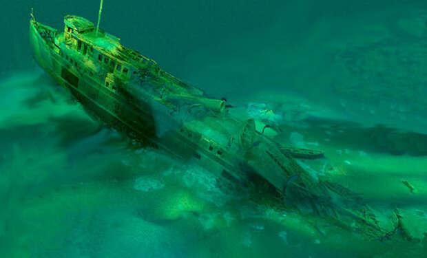 90 лет никто не знал, куда пропало судно Manasoo. Корабль случайно нашли дайверы и решили осмотреть трюмы: видео