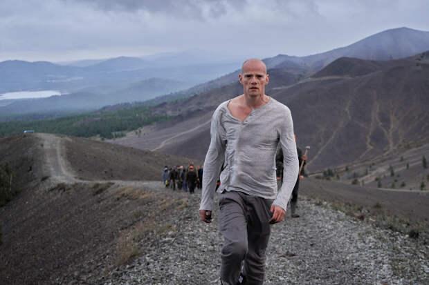 Юрий Колокольников сыграл инопланетянина в экологическом клипе Ивана Соснина