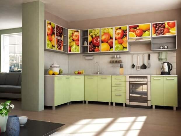 Фасад шкафчиков можно обклеить самоклеящейся пленкой. / Фото: magicfix.ru