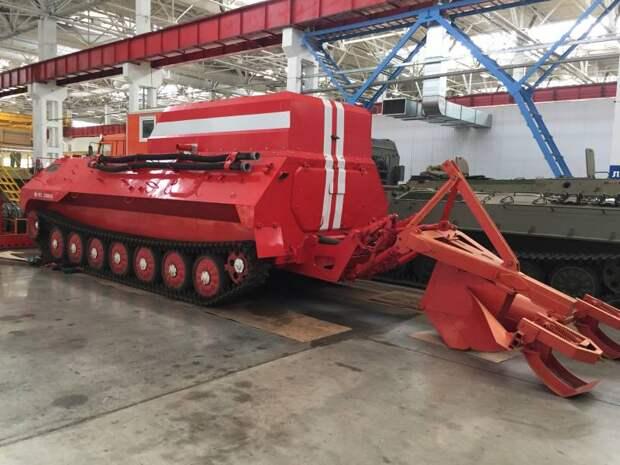 В Набережных Челнах создается пожарный вариант тягача МТ-ЛБ