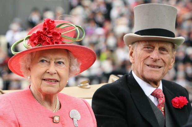 Почему Елизавета II выбрала в мужья самого бедного принца во всей Европе