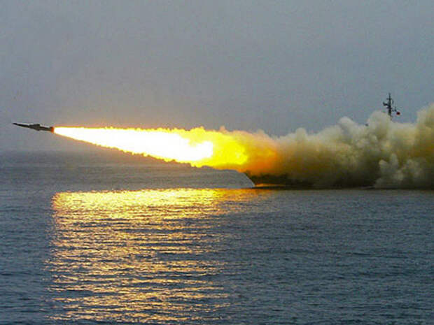 Тени над морем: Россия ставит на вооружение уникальные противокорабельные ракеты