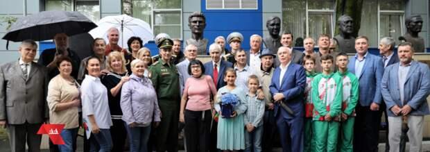 На Аллее спортивной славы ЦСКА открыли бюст трехкратному олимпийскому чемпиону