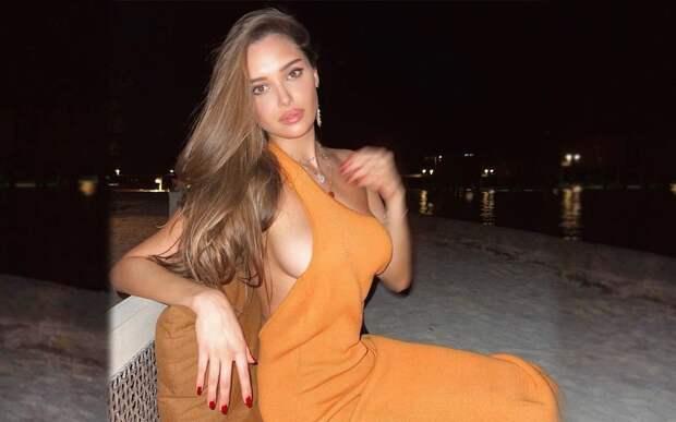 «Сексуальнее фотки я еще не видел». Гимнастка Севастьянова показала себя в соблазнительном платье на Мальдивах