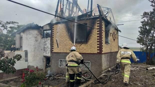 В результате сильного пожара в Феодосии погиб ребенок