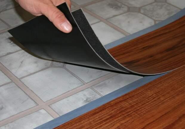 Виниловая плитка для пола: особенности материала