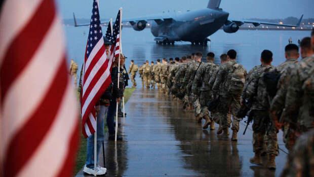 Шойгу заявил о стягивании войск США и НАТО к границам России