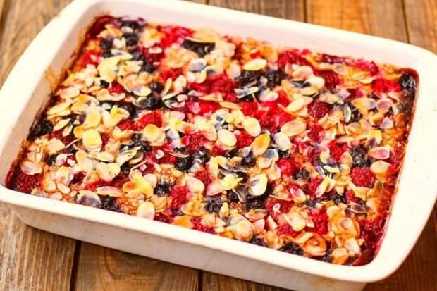 Пирог из овсяных хлопьев: готовим оригинальный завтрак в духовке