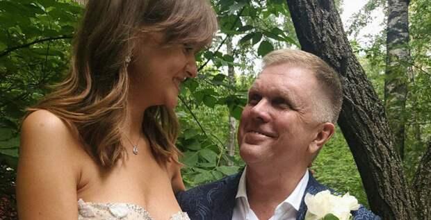 Новая жена журналиста Андрея Колесникова моложе его на 25 лет