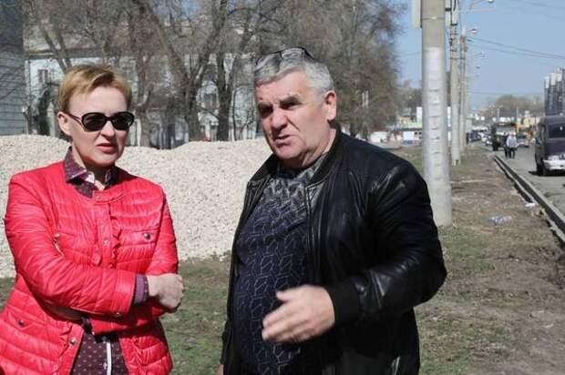 Елена Лапушкина проверила ход ремонта дорог, на состояние которых поступают жалобы от жителей города