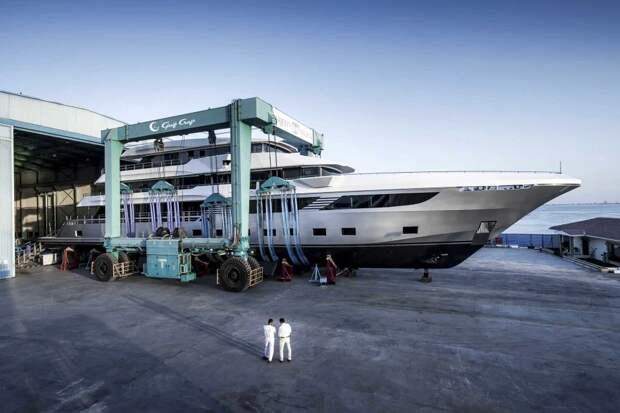 Мощь кита, легкость ласточки: встречайте самую большую вмире яхту— Majesty 175