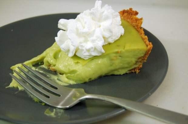 Мятное пирожное с авокадо. \ Фото: tastykitchen.com.
