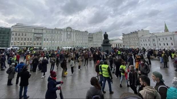 Как прошли акции в поддержку Навального в день послания Путина