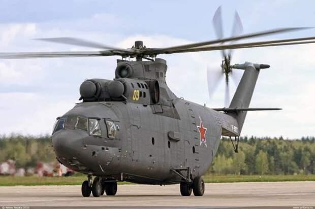 В Советском Союзе любили делать огромные и мощные машины. /Фото: Ми-26.