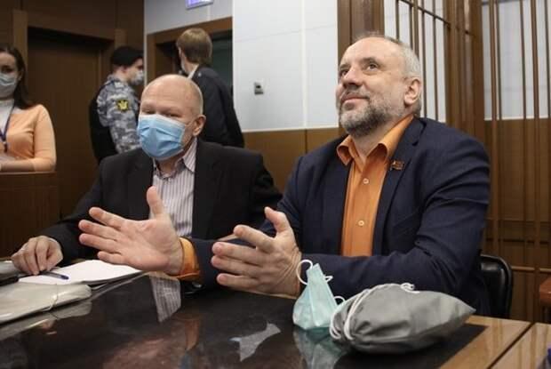 В разговоре с журналистами депутат от КПРФ Олег Шереметьев проговорился о своих махинациях