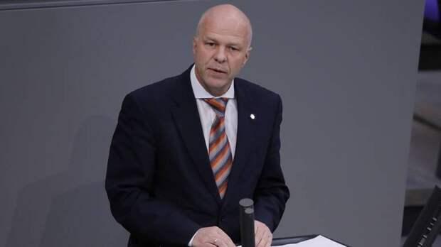 Бундестаг: Зеленский продолжает политику Порошенко, которая привела к войне