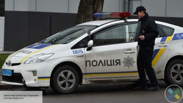 В центре Киева неизвестный захватил банк и угрожает взрывом