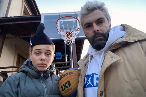 Дмитрий Исхаков с сыном Полины Гагариной Андреем