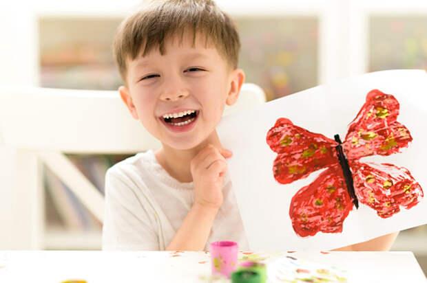 Для жителей Лианозова проведут мастер-класс по превращению гусениц в бабочек