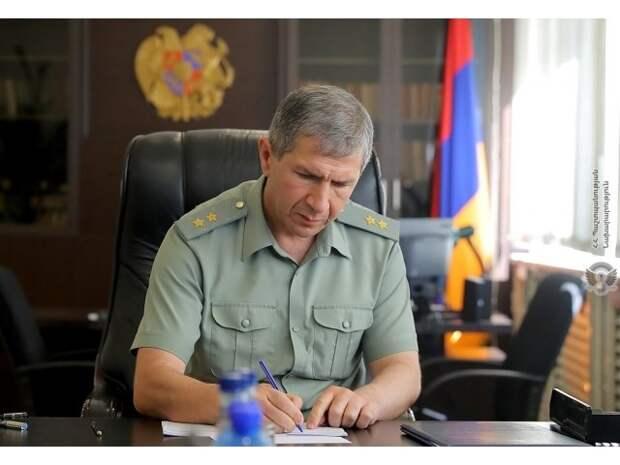Никол Пашинян провоцирует гражданскую войну в Армении
