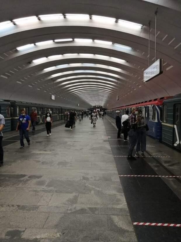 Фото дня: красота в обыденном — метро «Бабушкинская»