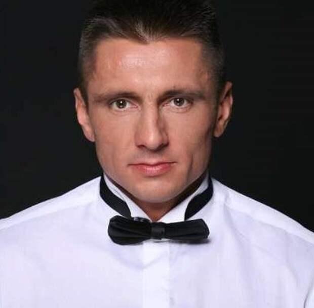 Сексуальный депутат свел с ума москвичек
