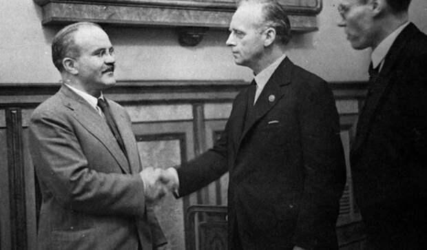 В Госдуме задумались о пересмотре оценки пакта Молотова-Риббентропа