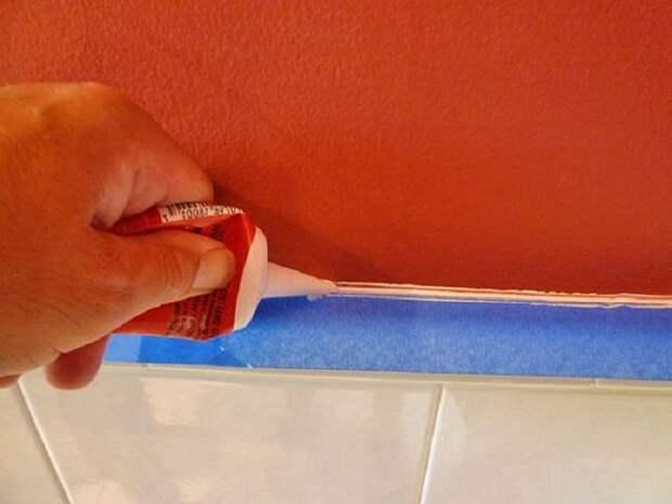 Как я заделал щель между стеной и ванной!