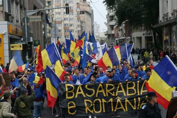 Украинский политик: Если будет нужно, Запад разрешит румынам вырезать всех противников поглощения Молдовы