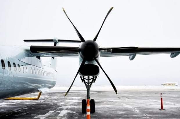 Турбовинтовой двигатель Pratt & Whitney Canada PW150A на Bombardier Q400