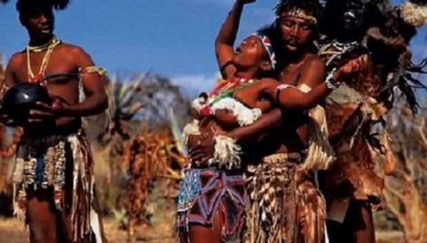 7 диковатых традиций первой брачной ночи в странах третьего мира