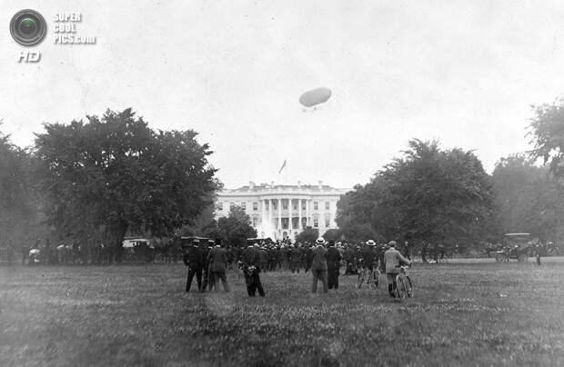 США. Вашингтон. 1906 год. Дирижабль над Белым домом. (George Buck, Library of Congress)