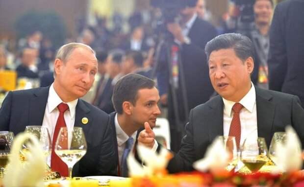 Отказ от доллара набирает обороты — финансовый маневр России позволит это сделать быстро, Китай этому рукоплещет