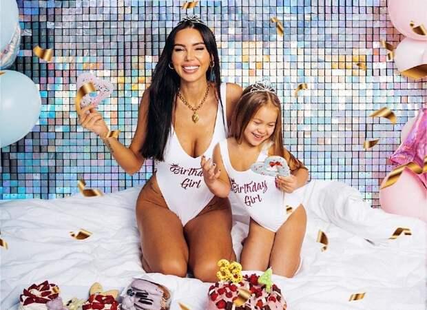Девчачий праздник: Оксана Самойлова и ее дочь Майя отметили один день рождения на двоих