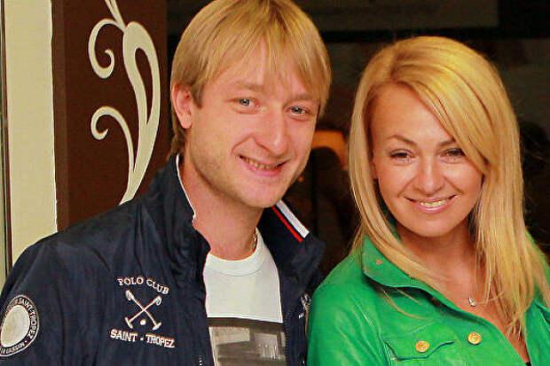 Стала известна цена коляски сына Рудковской иПлющенко