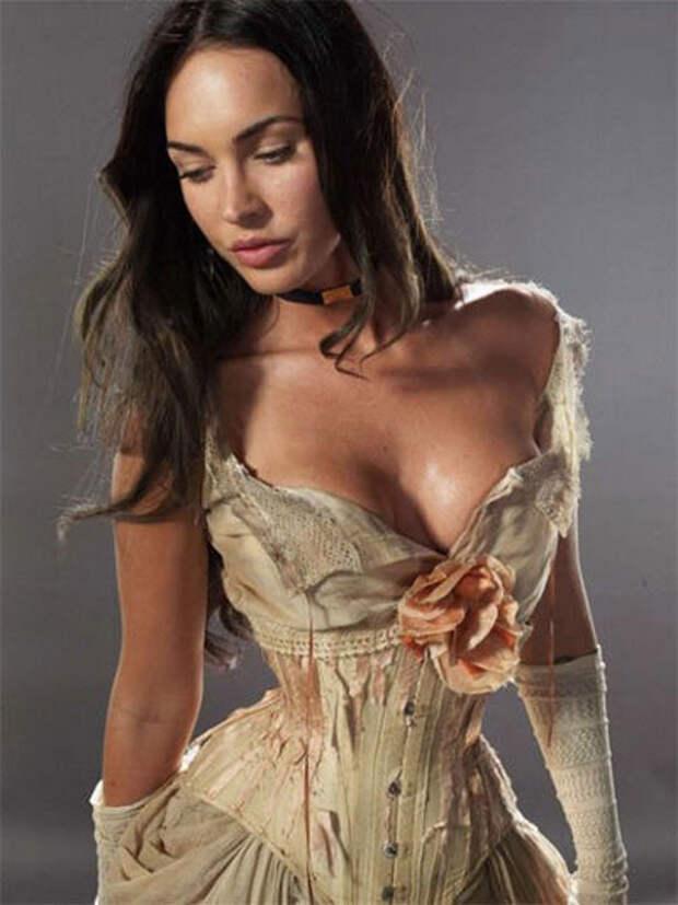 Актрисы, которые любят носить корсеты