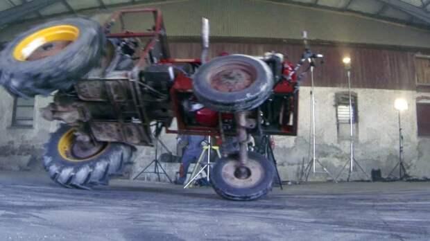 Прокати нас, Петруша, на тракторе..