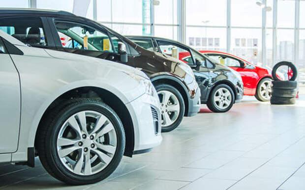 498 000 000 000 рублей: столько россияне потратили на новые автомобили