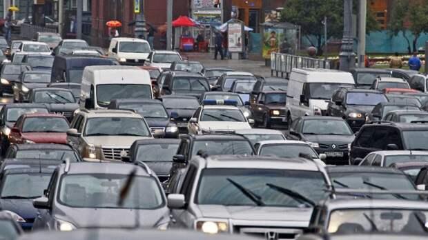 Больше половины российских водителей считают пробки неотъемлемой частью жизни