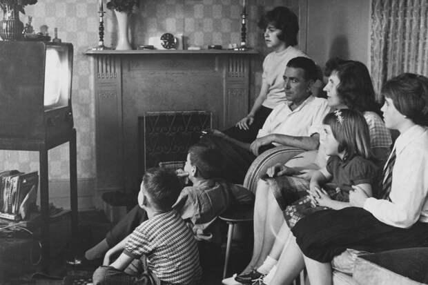 Почему в Великобритании до сих пор популярны черно-белые телевизоры