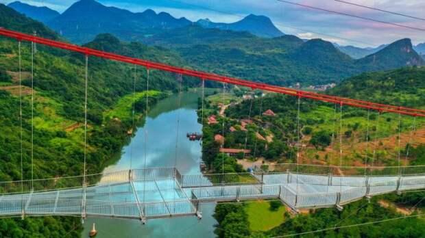 По такому мосту решается пройти далеко не каждый. /Фото: imgtest.mir24.tv