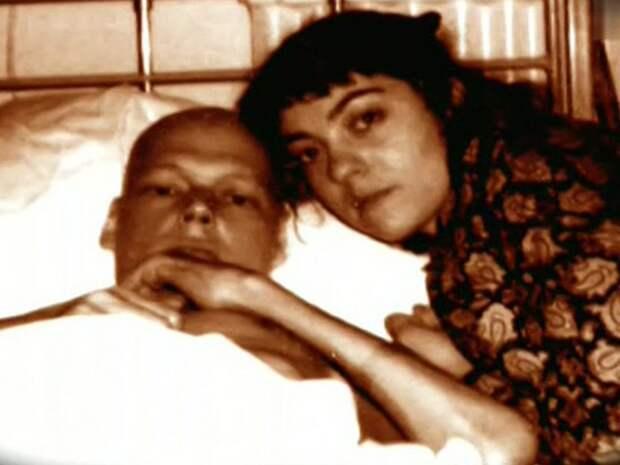 Никита Михайловский в лондонской клинике с женой.