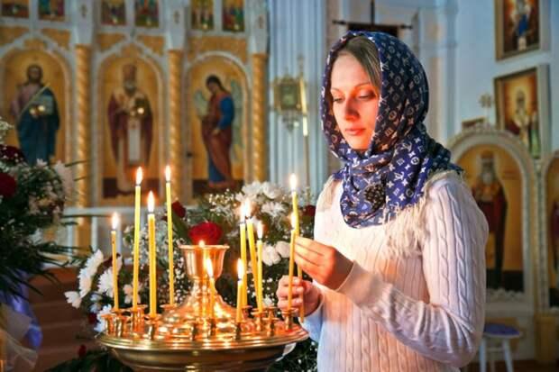 Вот почему нельзя в церкви поджигать свою свечу от рядом стоящей истории, нужно знать, свечи, церковь