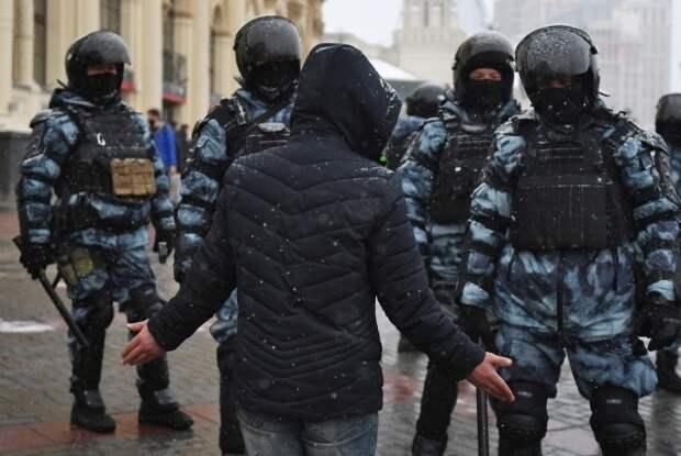 В Московском профсоюзе полиции позавидовали зарплате белорусского ОМОНа