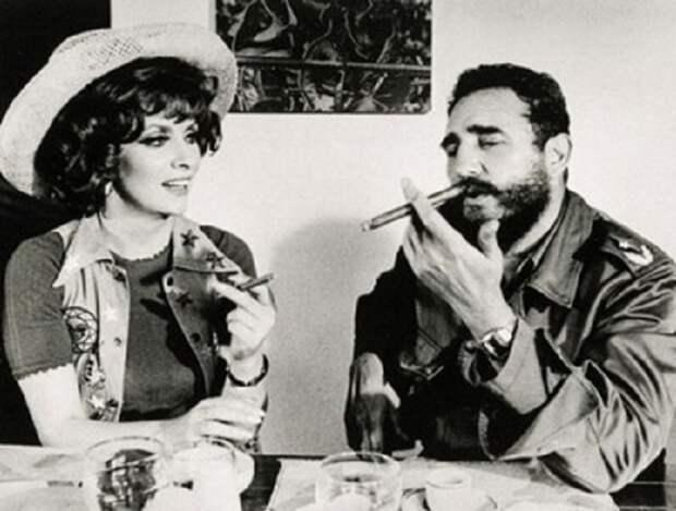 Джина Лоллобриджида и Фидель Кастро. ¦ Фото: pinterest.com